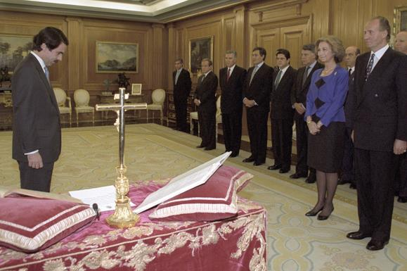 5/05/1996. 21 Sixth Legislature (1). Cabinet from May 1996 to January 1999. The President of the Government, José María Aznar is sworn in be...