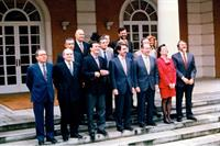 7/05/1996. 22 Sixth Legislature (2). Cabinet from May 1996 to January 1999. Group photo.