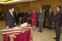 17/04/2004. 32Eighth Legislature (1). José Luis Rodríguez Zapatero takes the oath of office as President of the Government.