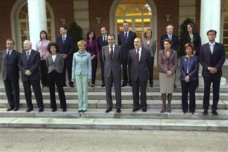 21/04/2006. 34Eighth legislature (3). Group photo of the government of José Luis Rodríguez Zapatero following the cabinet reshuffle announce...