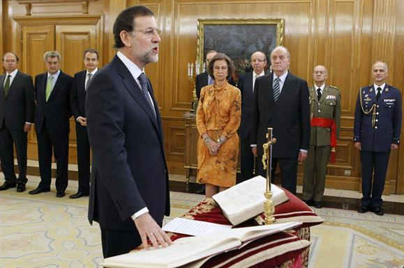 21/12/2011. 42Tenth Legislature (1). Mariano Rajoy is sworn in as the President of the Government before Their Majesties, the King and Queen.