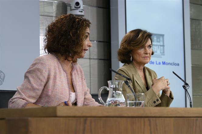 11/10/2019. Consejo de Ministros: Calvo y Montero. La ministra de Hacienda en funciones, María Jesús Montero, responde a las preguntas de lo...
