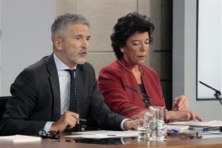 Fernando Grande-Marlaska e Isabel Celaá tras el Consejo de Ministros