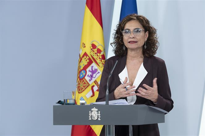7/04/2020. Consejo de Ministros: María Jesús Montero y Luis Planas. La ministra de Hacienda y portavoz del Gobierno, María Jesús Montero, du...