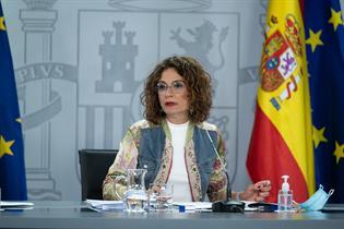 La portavoz del Gobierno, María Jesús Montero, durante la rueda de prensa