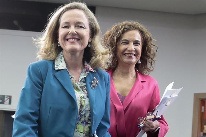 11/02/2020. Consejo de Ministros: María Jesús Montero y Nadia Calviño. La ministra de Hacienda y portavoz del Gobierno, María Jesús Montero,...