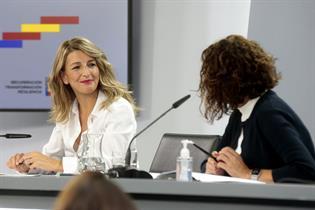 ministra de Trabajo y Economía Social, Yolanda Díaz, y la ministra de Hacienda y portavoz del Gobierno, María Jesús Montero
