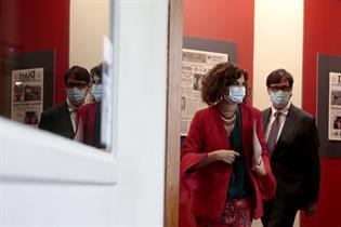 María Jesús Montero y Salvador Illa a su entrada en la rueda de prensa posterior al Consejo de Ministros