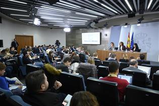 Teresa Ribera, María Jesús Montero y Carolina Darias durante la rueda de prensa posterior al Consejo de Ministros