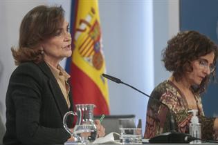 Carmen Calvo y María Jesús Montero durante la rueda de prensa posterior al Consejo de Ministros