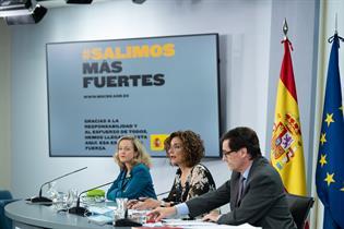 Calviño, Montero e Illa durante la rueda de prensa posterior al Consejo de Ministros