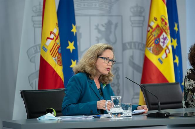 28/07/2020. Consejo de Ministros: Montero, Calviño e Illa. La vicepresidenta tercera y ministra de Asuntos Económicos y Transformación Digit...