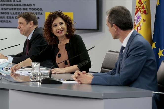 30/06/2020. Consejo de Ministros: Planas, Montero y Duque. El ministro de Agricultura, Pesca y Alimentación, Luis Planas, la ministra de Hac...