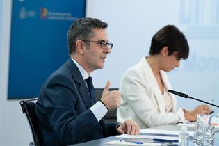 Félix Bolaños e Isabel Rodríguez durante la rueda de prensa posterior al Consejo de Ministros