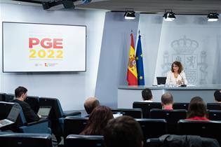 La ministra de Hacienda y Función Pública, María Jesús Montero, en la rueda de prensa posterior al Consejo de Ministros