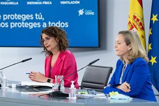 Ministras María Jesús Montero y Nadia Calvinho en rueda de prensa posterior al Consejo de Ministros