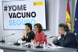 Celaá, Montero y Rodríguez Uribes durante la rueda de prensa posterior al Consejo de Ministros
