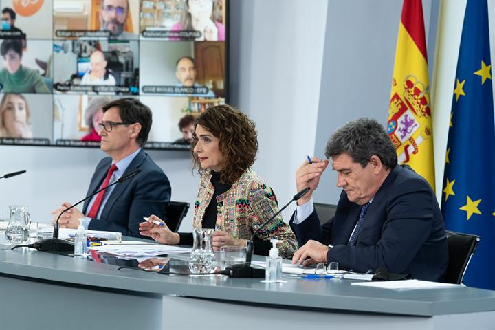 Salvador Illa, María Jesús Montero y José Luis Escrivá