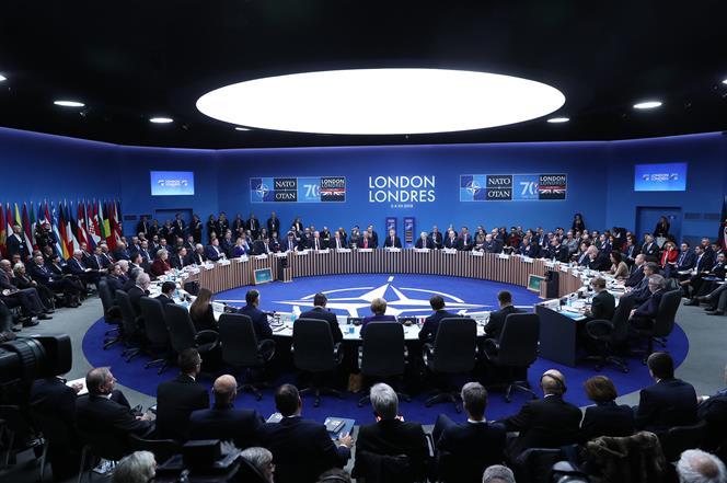 4/12/2019. Pedro Sánchez participa en la Cumbre de la OTAN. El presidente del Gobierno en funciones, Pedro Sánchez, participa junto a otros ...