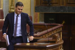 El presidente del Gobierno en funciones, Pedro Sánchez, durante su comparecencia en el Congreso