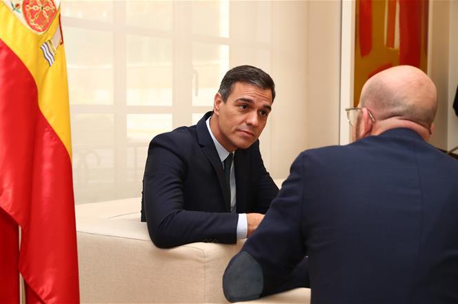 14/11/2019. Sánchez recibe al presidente electo del Consejo Europeo, Charles Michel. El presidente del Gobierno en funciones, Pedro Sánchez,...