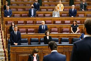 Minuto de silencio en el Pleno del Congreso por las víctimas del COVID-19