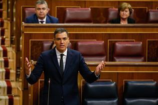El presidente del Gobierno, Pedro Sánchez, en su intervención desde el escaño, en el Congreso