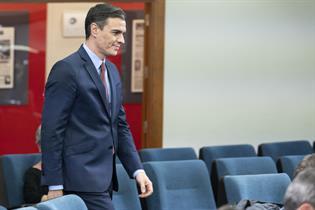 El presidente del Gobierno, Pedro Sánchez, al inicio de su comparecencia en La Moncloa