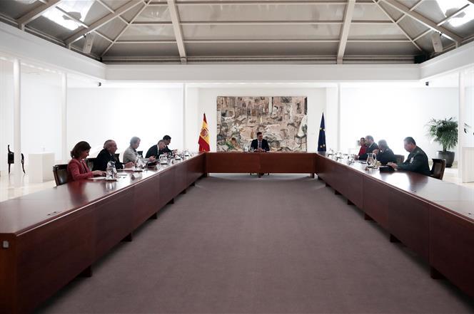 16/03/2020. Pedro Sánchez preside la reunión del Gabinete del Seguimiento del Estado de Alarma a causa del coronavirus. El presidente del Go...
