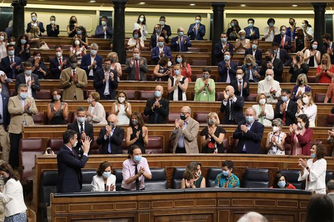 29/07/2020. Pedro Sánchez comparece ante el Pleno del Congreso de los Diputados. El presidente del Gobierno, Pedro Sánchez, recibe aplausos ...