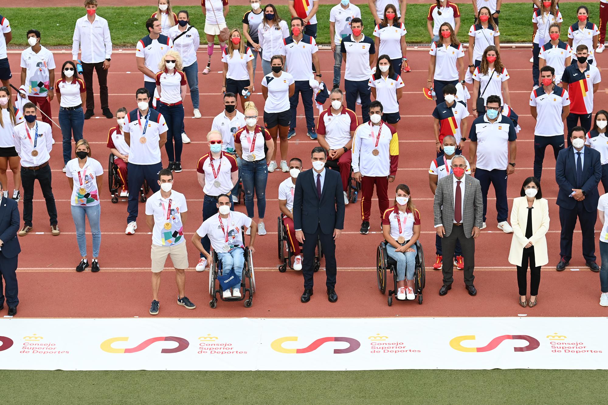 El presidente del Gobiero junto a la delegación española