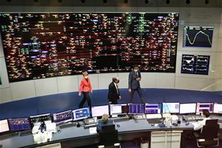 Sánchez y Von der Leyen visitan el Centro de Control Eléctrico de Red Eléctrica de España