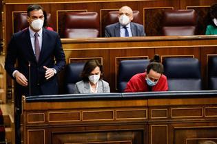 El presidente del Gobierno, Pedro Sánchez, durante una sesión de control del Congreso de los Diputados