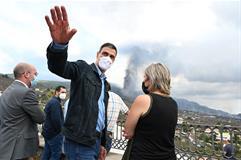 Pedro Sánchez durante su visita a las zonas afectadas