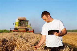 joven agricultor