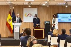 El ministro José Manuel Rodríguez Uribes junto al nuevo presidente del CSD, José Manuel Franco, y la anterior, Irene Lozano