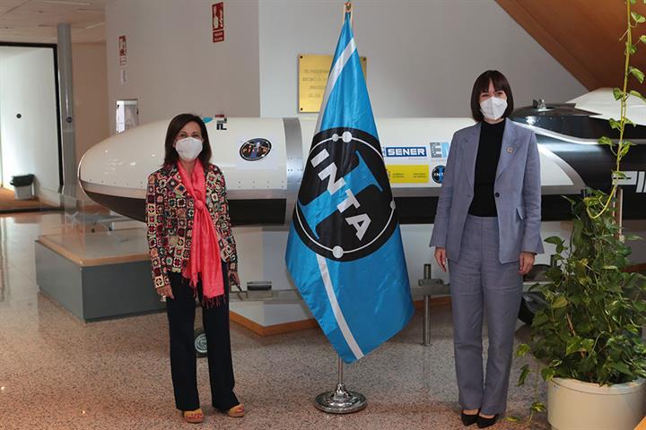 Las ministras de Defensa y Ciencia e Innovación visitan el Instituto Nacional de Técnica Aeroespacial (INTA)