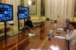 La ministra Celaá, durante la reunión