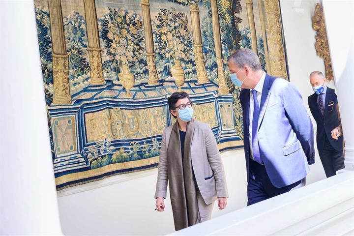 Arancha González Laya conversa con Phillipe Lazzarini