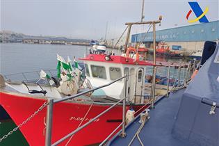 Barco pesquero que ocultaba los fardos de hachis