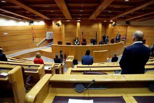 Minuto de silencio en el Senado por las víctimas del COVID-19