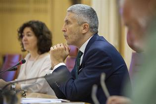 El ministro Marlaska durante la presentación de la campaña de verano de la DGT