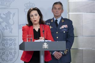 La ministra de Defensa, Margarita Robles, durante su comparecencia en La Moncloa