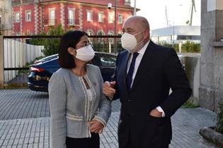 La ministra Carolina Darias y Javier Losada, delegado del Gobierno en Galicia