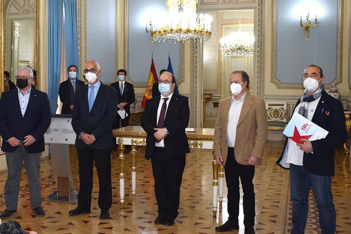 El ministro Iceta y los representantes sindicales de la Función Pública