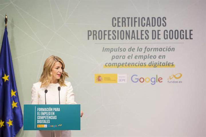 La ministra Yolanda Díaz en la presentación de los certificados profesionales de Google