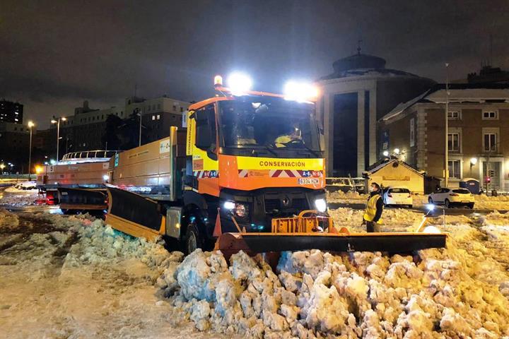 15/01/2021. Mitma colabora en la limpieza de vías en Madrid